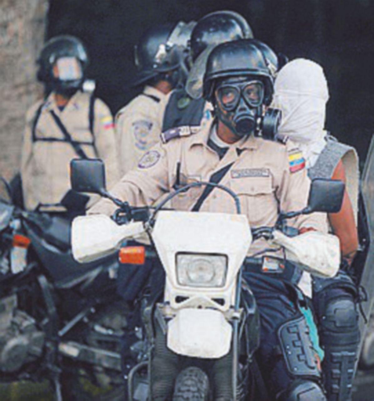 """Caracas in trappola: guerra civile e sequestri """"mortali"""""""
