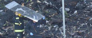 """Incendio Londra, Farnesina: """"La lista dei dispersi è ormai quella delle vittime"""". Il sindaco Khan attacca il governo May"""