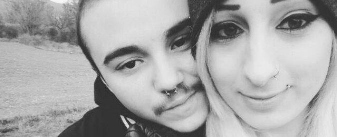 """""""Il controllore ci ha fatto scendere dall'autobus perché siamo trans"""", la denuncia di due ventenni a Piacenza"""