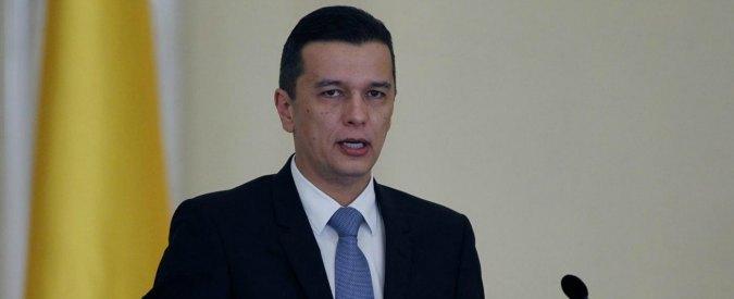 """Romania, il premier """"pro-corruzione"""" sfiduciato dai suoi. Ma Grindeanu non si fa da parte"""