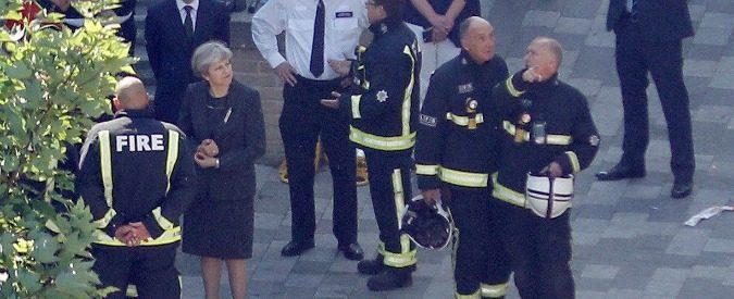 Incendio grattacielo Londra, perché c'è una responsabilità nelle politiche dei tories