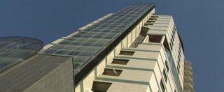 """Livorno, la vita delle 56 famiglie nella Torre degli sfrattati tra regole e speranze: """"Senza lavoro non puoi avere una casa"""""""