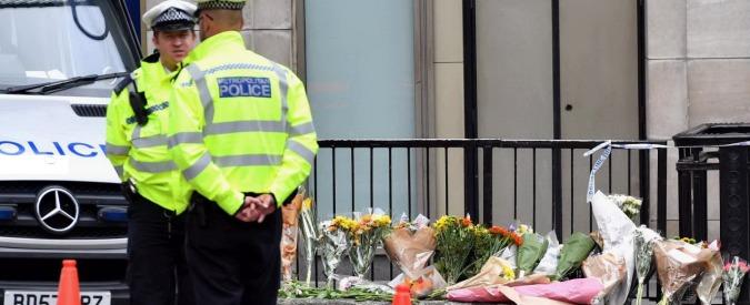 """Attentato Londra, silenzio e lutto al Borough Market. """"Ora abbiamo paura"""""""