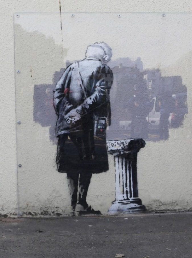 Chi è Banksy, da Robert Del Naja a Thierry Guetta: una, nessuna e centomila identità - 6/7