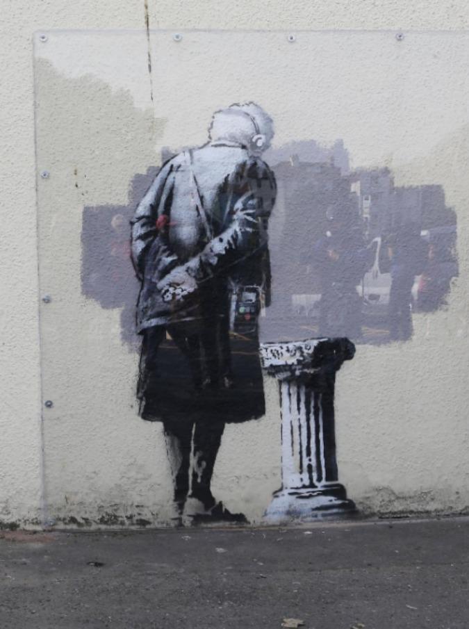 Chi è Banksy, da Robert Del Naja a Thierry Guetta: una, nessuna e centomila identità