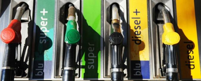 Carburanti, meglio una carbon tax che le accise sulla guerra in Etiopia