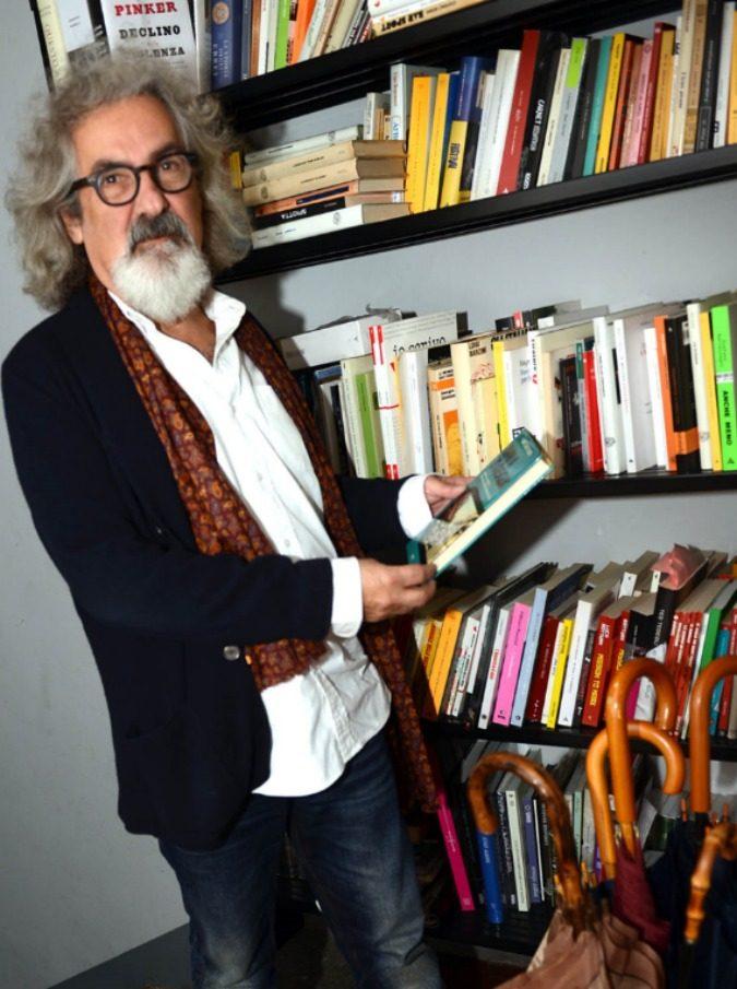 """Beppe Cottafavi, l'uomo dietro ai successi in libreria di Totti, Guccini, Guzzanti si racconta: """"Eco mi ha insegnato il 'tocco magico' dell'editor"""""""