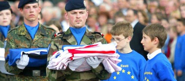 Un esercito comune europeo a guida tedesca, a chi interessa davvero?