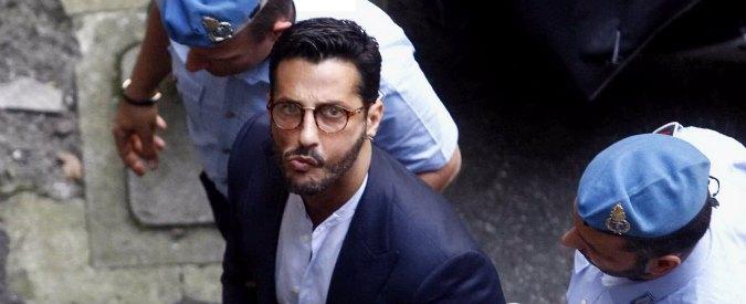 """""""Fabrizio Corona trattato come Totò Riina"""", la difesa chiede l'assoluzione"""