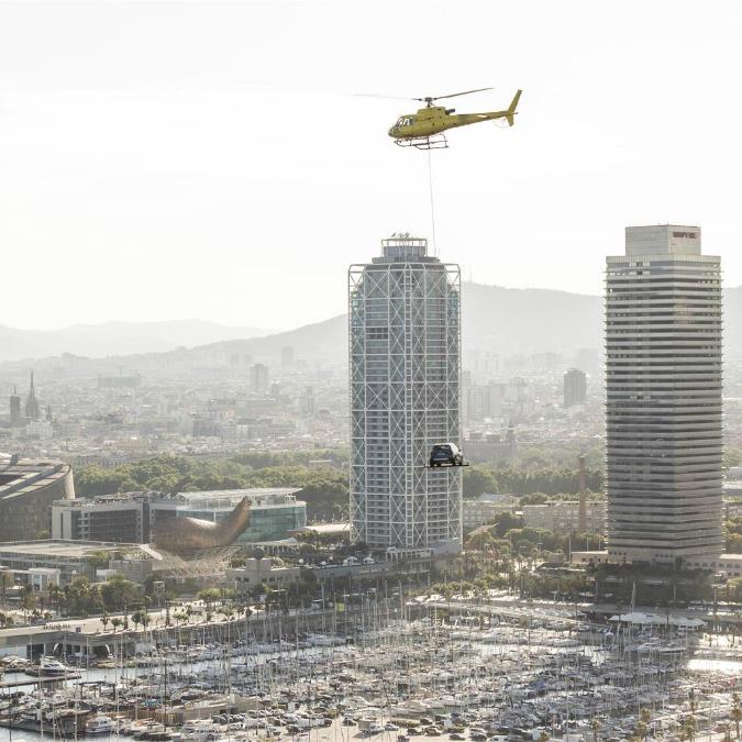Seat Arona, debutto in volo nel cielo di Barcellona – FOTO