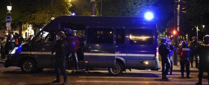 Parigi, auto contro la folla fuori da una moschea: nessun ferito. Arrestato il conducente