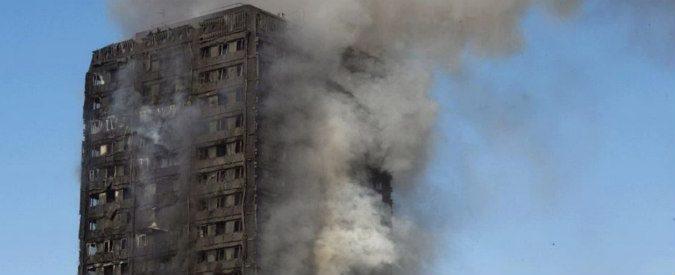 Londra, il grattacielo in fiamme è lo specchio di un Paese diviso
