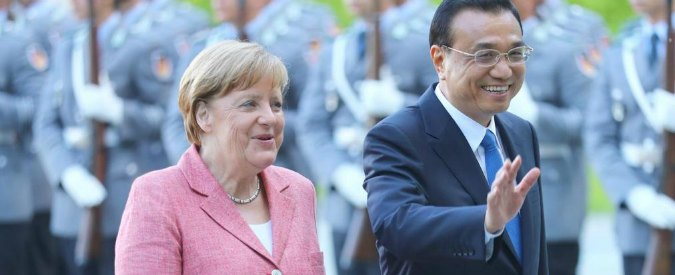 """Merkel: """"Germania e Cina espandano la loro partnership"""". Pechino: """"Sì al libero scambio con l'Europa"""""""