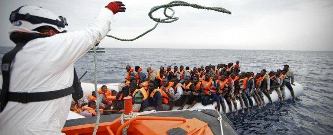 Migranti, 2mila persone salvate al largo della Libia. 10mila da sabato. Minniti rientra da Washington