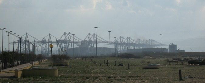 Porto Gioia Tauro, 400 lavoratori a rischio licenziamento. Quale futuro per questo hub?