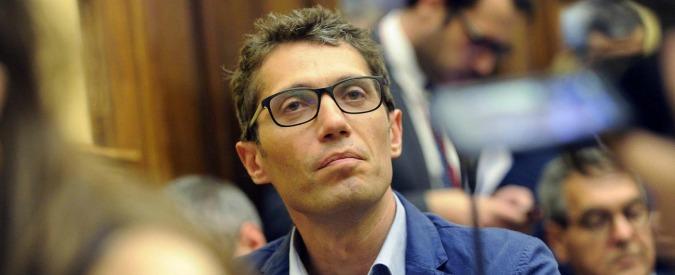 """Roma, manifestanti Atac sotto la sede dei Radicali. Il segretario Magi propone il referendum: """"Renzi? dimostri di crederci"""""""