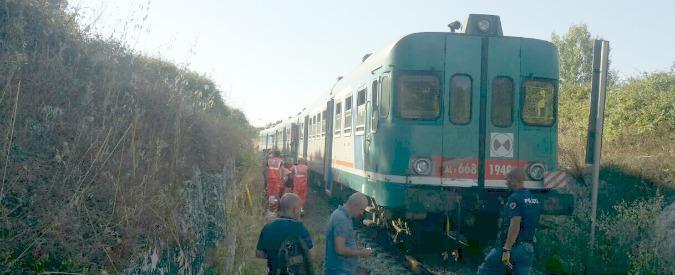 """Scontro treni Lecce, il macchinista al pm: """"Il treno è partito da solo, forse per un guasto ai freni"""". Indagine per disastro"""