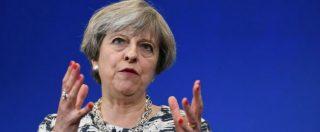 Elezioni Gran Bretagna 2017, Tory in vantaggio ma Theresa May indebolita: la maggioranza assoluta è a rischio