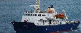 """Migranti, la nave Defend Europe fermata in Egitto: """"Senza documenti"""". La replica dei militanti di estrema destra: """"È falso"""""""