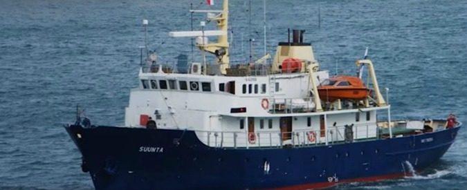 Defend Europe, la grottesca nave anti-migranti è ripartita. Ma le domande restano