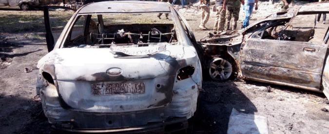 Siria, tre autobombe esplodono nel centro di Damasco: 12 morti e 15 feriti
