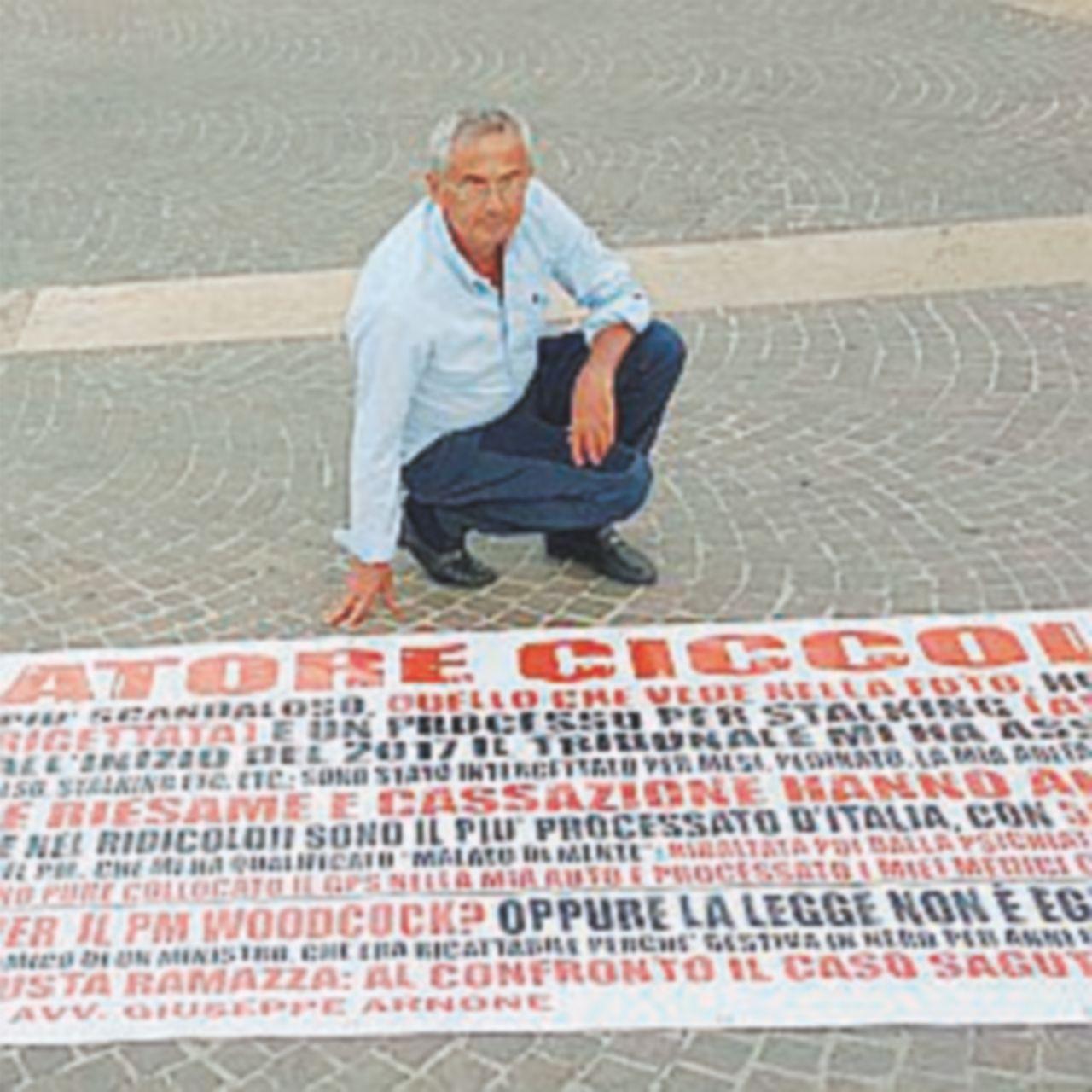 Striscione in Cassazione contro le toghe infedeli