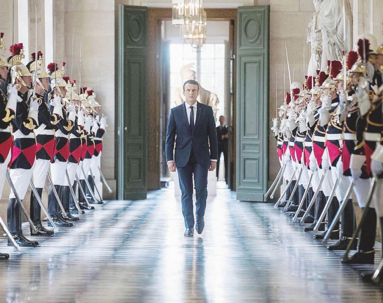 Macron copia renzi taglio dei parlamentari e referendum for Numero dei parlamentari