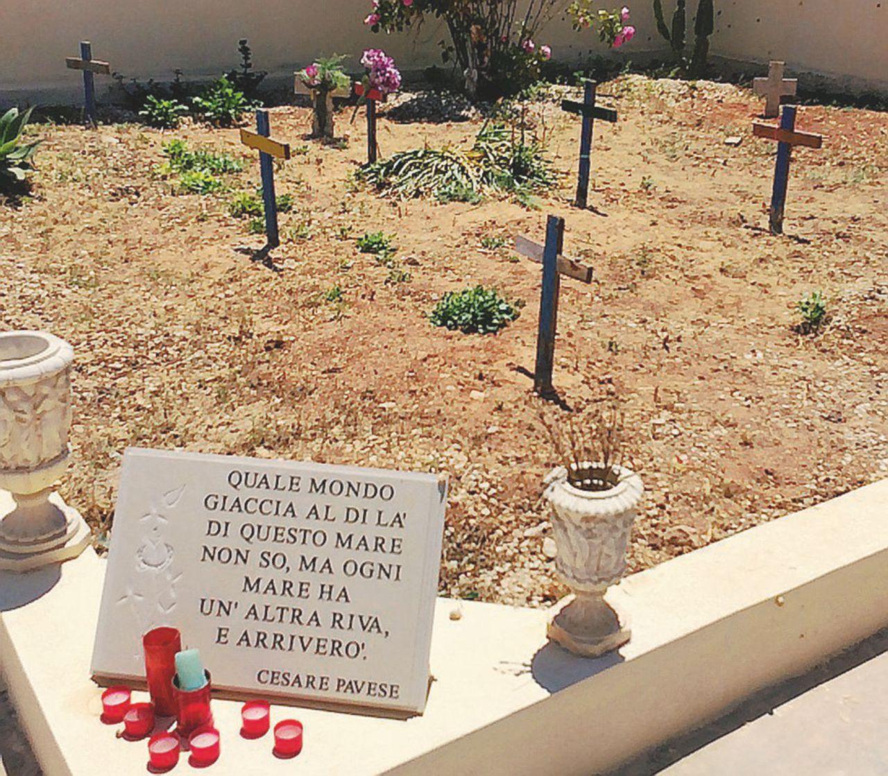 Lampedusa, lo ius soli si guadagna al cimitero