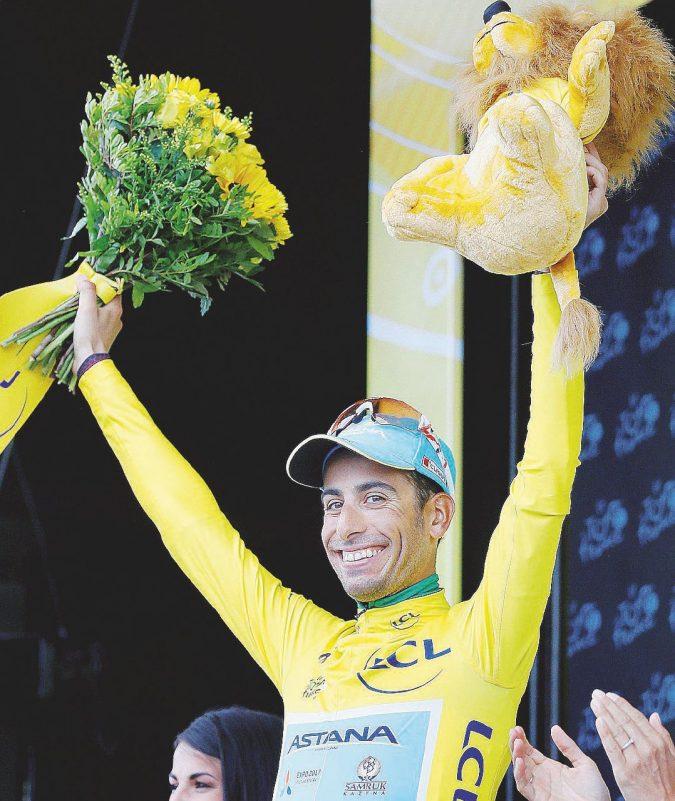 La prima maglia gialla di Aru: vola sui Pirenei e spodesta re Froome