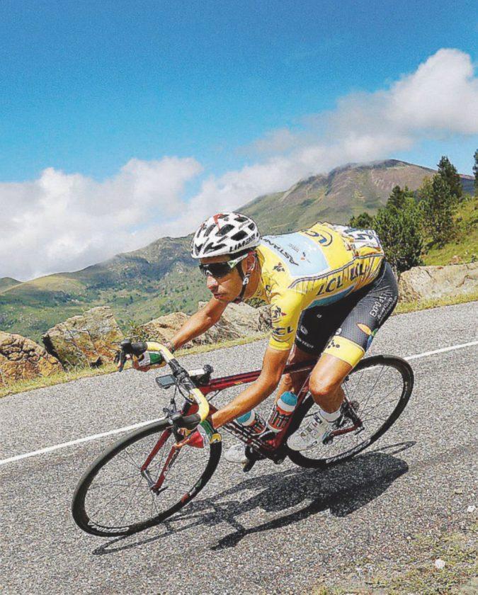 Tour de France: tutti contro Aru. Il sardo non molla la maglia gialla