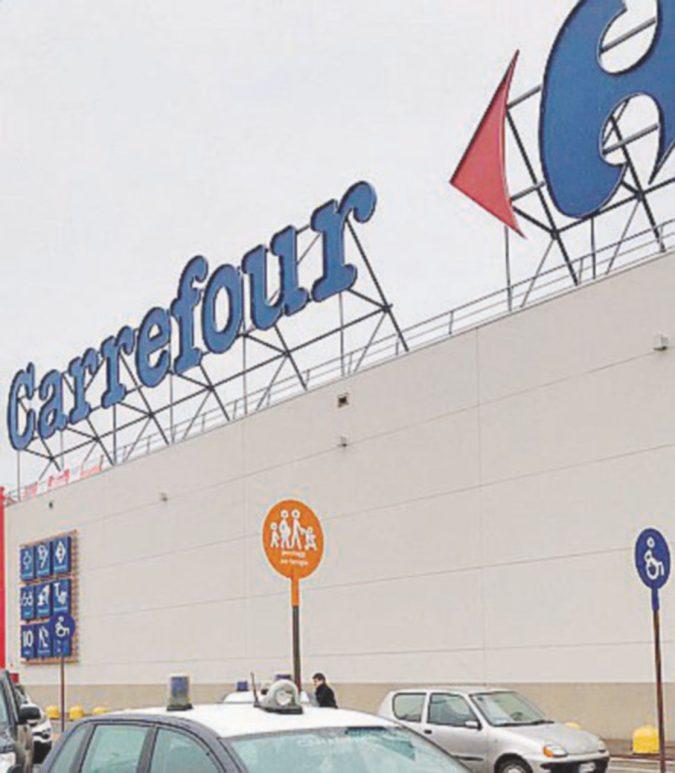 Carrefour sotto accusa per mobbing e malori (e c'è anche un suicidio)