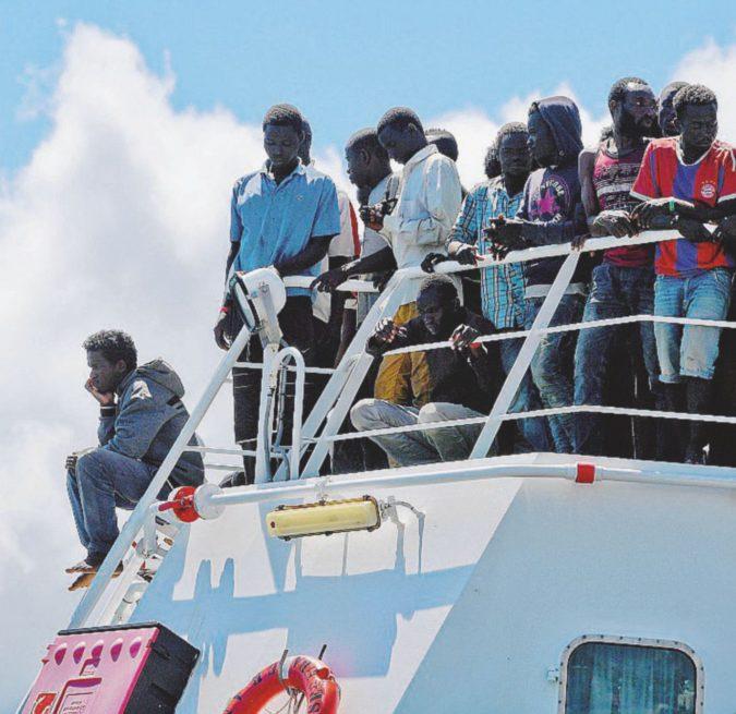 """Migranti, Orbán detta condizioni: """"Chiudete i porti"""""""
