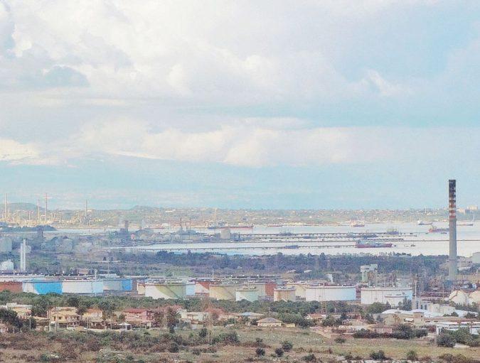 Siracusa, sotto sequestro tre impianti del petrolchimico