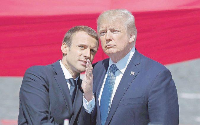 """Macron """"adotta"""" Haftar con tanti saluti ad Alfano"""