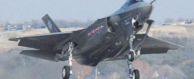 """F-35, cade pure la balla dei """"posti di lavoro"""""""