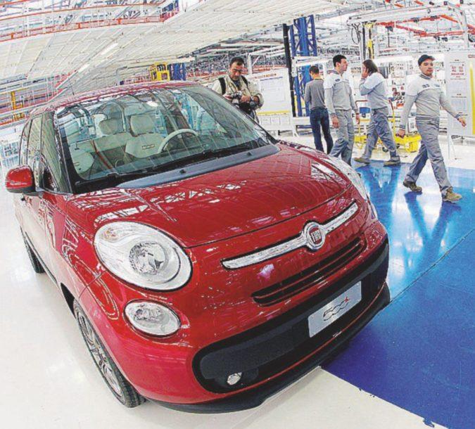 La Fiat in Serbia cede, aumenti per tutti