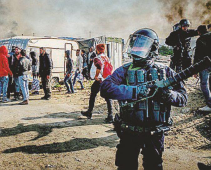 """""""Spray al peperoncino sui profughi"""". Il prefetto: """"Accuse senza fondamento"""""""
