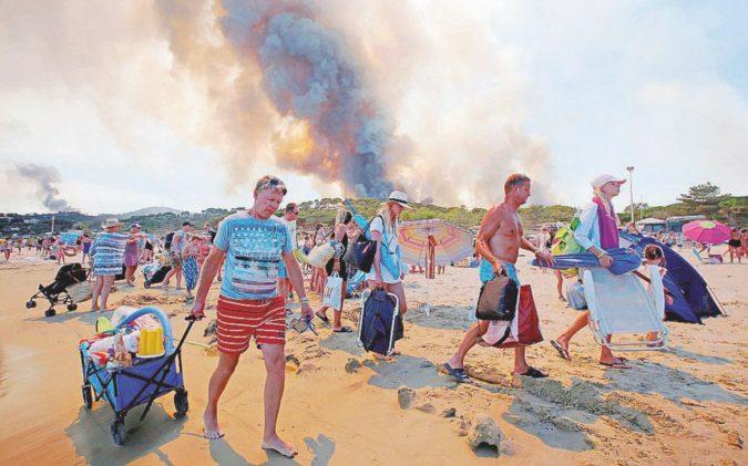 Fuga dalla Costa Azzurra, 12 mila evacuati