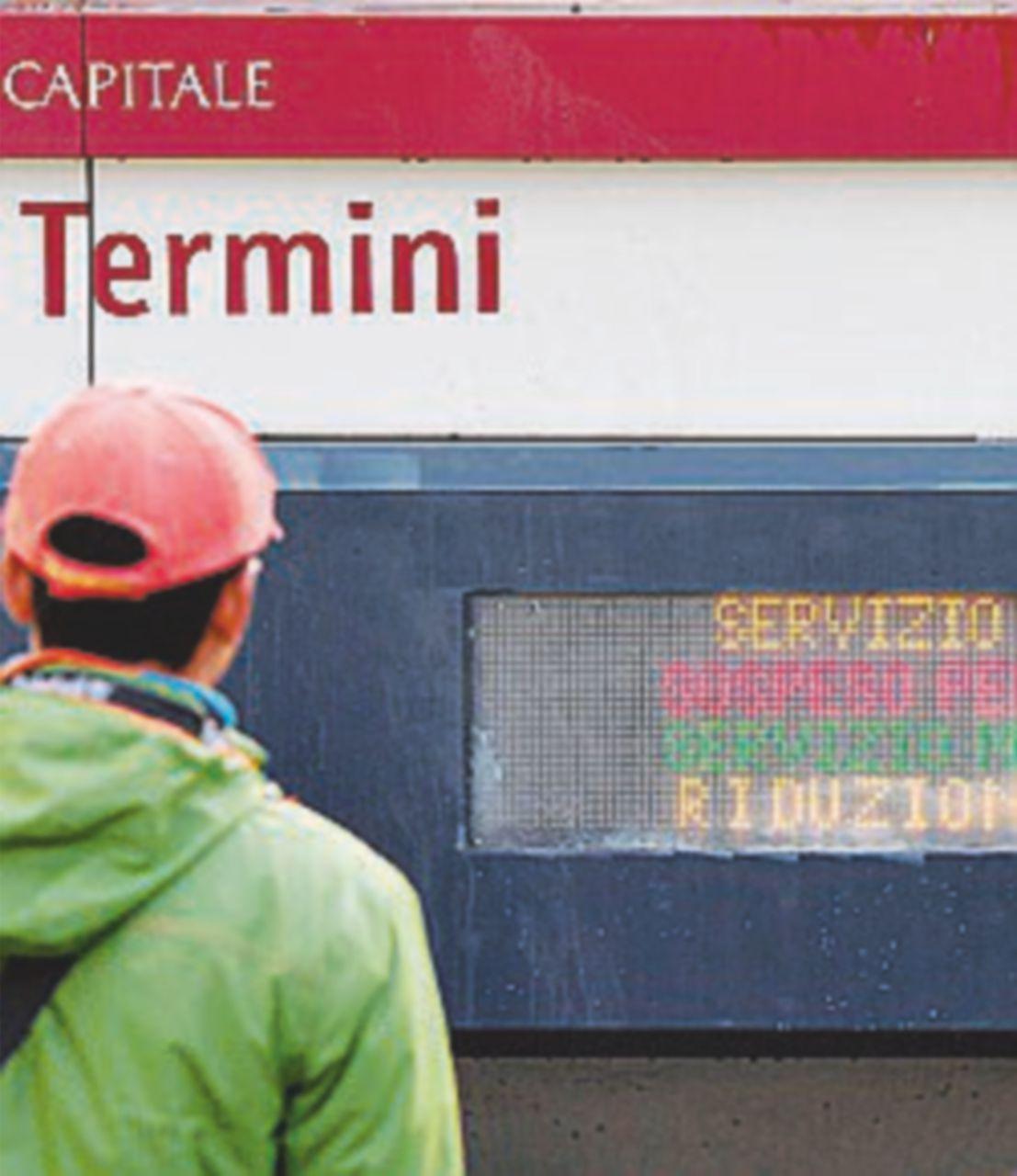 Per i lavori della metro C chiude per 30 giorni tratto della linea A: insorge il web