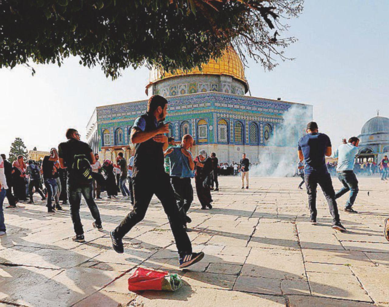 """""""Botte alla Spianata colpa di Bibi e Abu Mazen"""""""