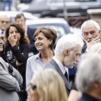 Massimo D'Alema con la moglie Linda Giuva, il parlamentare Pd Ugo Sposetti e la ministra Marianna Madia