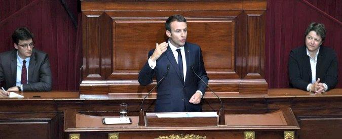 """Francia, Macron al Parlamento: """"Fine dello stato di emergenza dall'autunno"""""""