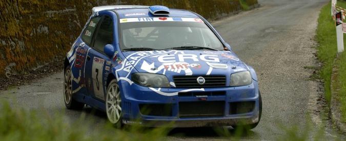 Brescia, auto esce di strada durante un rally: morto un commissario di gara