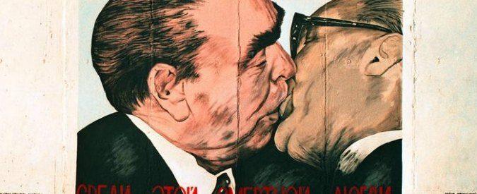 Giornata mondiale del bacio, che te ne fai dei diritti se hai un sacco di amore su Instagram?