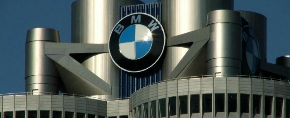 """Cartello costruttori tedeschi, Bmw contro Mercedes che si è autodenunciata. """"Sospesi gli accordi di collaborazione"""""""