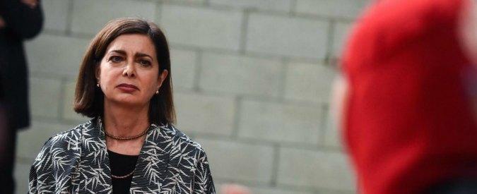 Latina, Boldrini inaugura il parco Falcone Borsellino: sommersa da grida fasciste