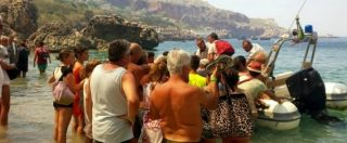 Incendi, 700 turisti evacuati via mare da un villaggio turistico di San Vito Lo Capo
