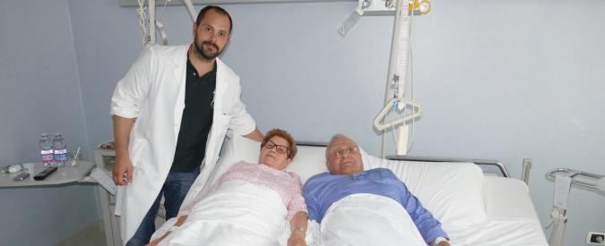 Cremona, la storia di Ernestina e Mario: inseparabili anche sotto i ferri. Per loro un letto matrimoniale in ospedale