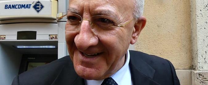 """Vincenzo De Luca, la sua auto blu viaggia contromano (ma non contro legge) e travolge un scooter. Lui: """"Sciacallaggio"""""""