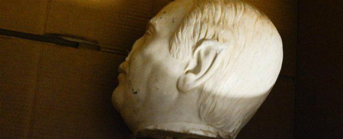 Palermo, lasciate il busto di Falcone senza testa ma inviate un esercito di maestri allo Zen